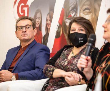 Богдан Струтинський, Голова НСТДУ;  Ольга Стельмашевська та Ганна Веселовська, експерти
